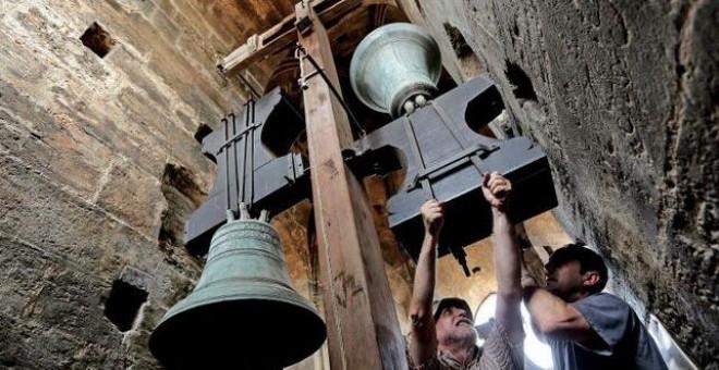 El toque manual de campanas está considerado Patrimonio Cultural Inmaterial.- EFE :: publico.es