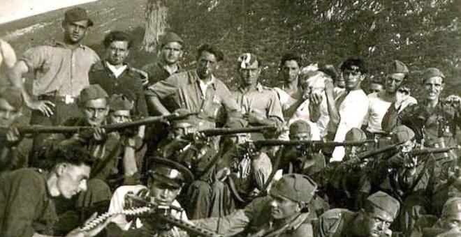 Imagen de la La Fermín Galán y los restos de la 3ª Agrupación