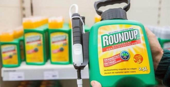 El herbicida 'Roundup' de Monsanto, comercializado para la jardinería doméstica, fue un 'factor sustancial' en los linfomas no hodgkinianos./ EFE
