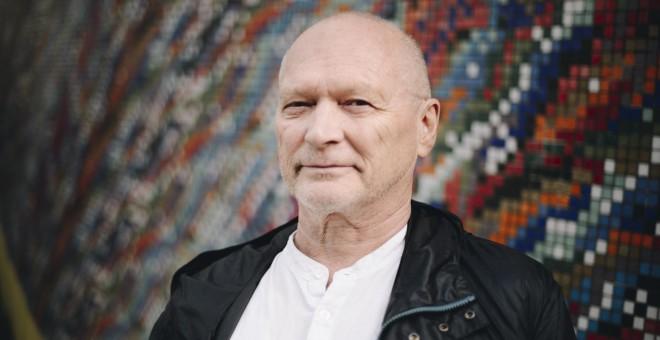 Henning Solhaug, representante del sindicato de electricistas noruego Elogit, colabora desde 2013 con la ARMH en las exhumaciones de la Guerra Civil Española. / IGNACIO IZQUIERDO PATIÑO