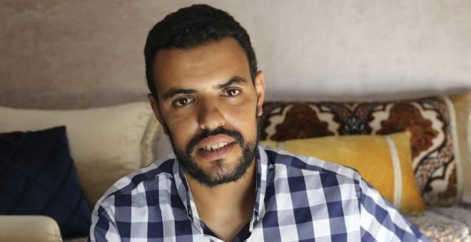 Hamadi Eddih, un saharaui de 33 años, es uno de los 16 supervivientes de la tragedia del pasado 20 de junio frente a las costas de Dajla, en el Sáhara ocupado.- EQUIPE MEDIA