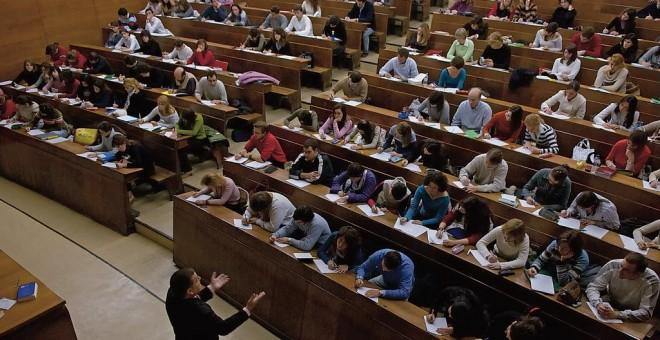 Las clases universitarias, ¿en peligro de extinción?