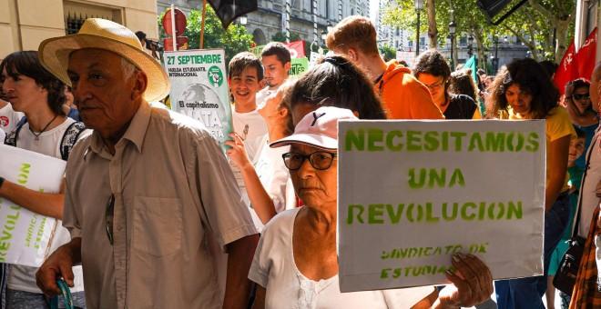 En las manifestaciones no solo ha habido presencia joven, ha habido cabida para todas las edades. / Europa Press