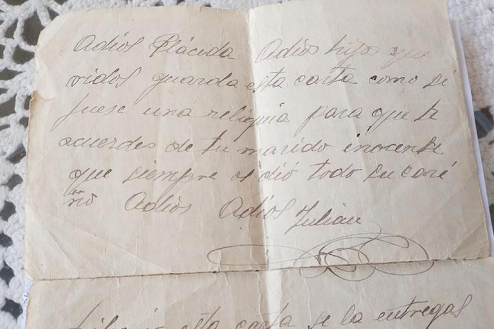 Carta enviada por Julián Carlón a su esposa y a sus hijos desde la cárcel de Valladolid.- ALEJANDRO TORRÚS
