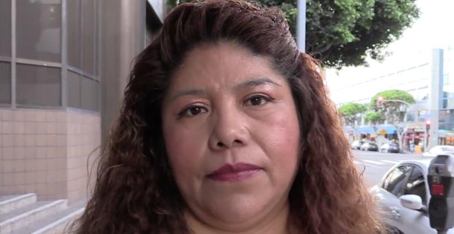 Flor Molina dejó su México natal con la promesa de un trabajo en Estados Unidos. Al llegar a Los Ángeles, se convirtió en presa fácil de los traficantes humanos y fue esclavizada durante cuarenta días./ Aitana Vargas (2018)