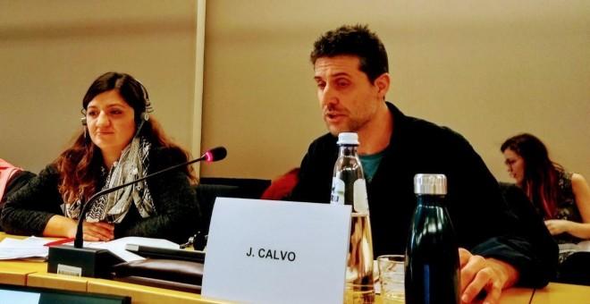 Jordi Calvo, coordinador del centro Delàs para Estudios de Paz, en la jornada de debate en el Parlamento Europeo sobre la financiación europea al sector de la defensa.