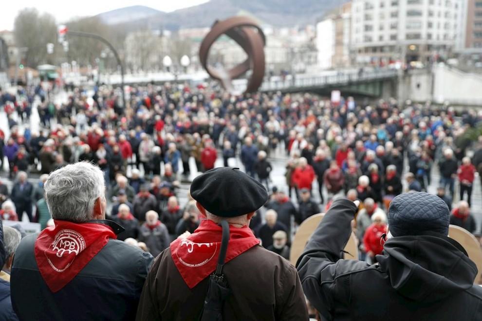 Concentración de pensionistas realizada el pasado lunes en Bilbao. EFE/LUIS TEJIDO