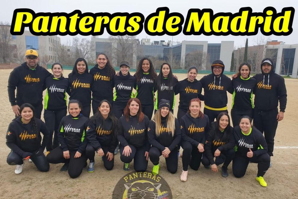 Las jugadoras de kickingball de las Panteras de Madrid.