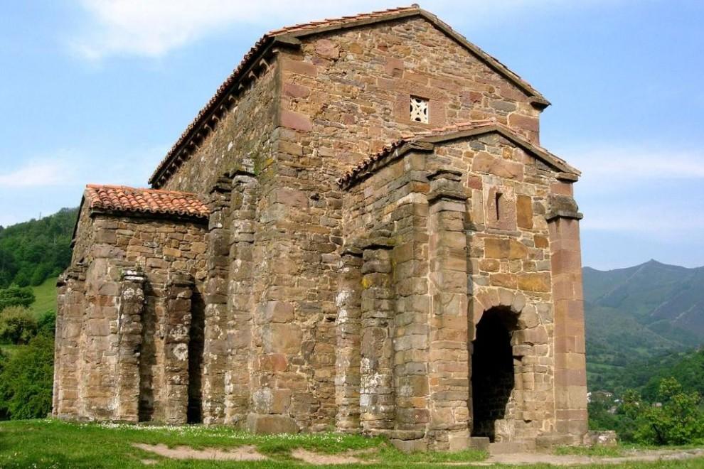 Santa Cristina de Lena, una de la joyas del prerrománico asturiano. WIKIPEDIA