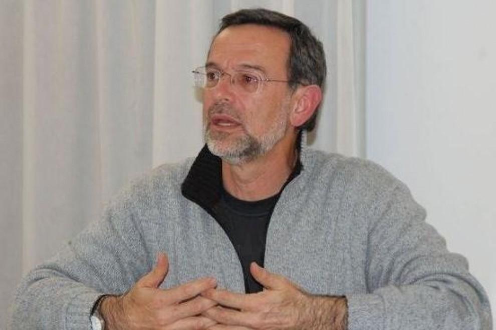 Enrique Javier Díez Gutiérrez durante una conferencia.- PLAZA Y VALDÉS