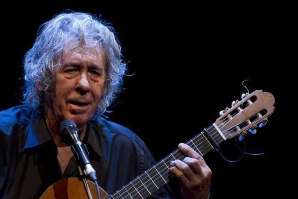 Paco Ibáñez musicó los versos de Rafael Alberti en 'A galopar'.
