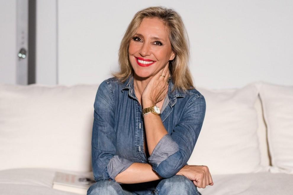 Marta Robles describe el sexo de los reyes de España en 'Pasiones carnales'.