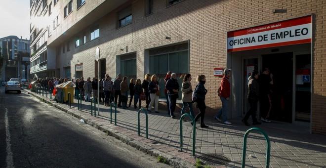 De hoc satis el gobierno del pp de rajoy un desastre for Oficinas de la seguridad social en madrid