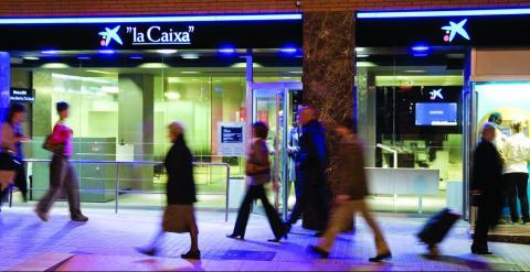 Caixabank plantea un ere para 750 personas seg n los for Oficina 555 caixabank