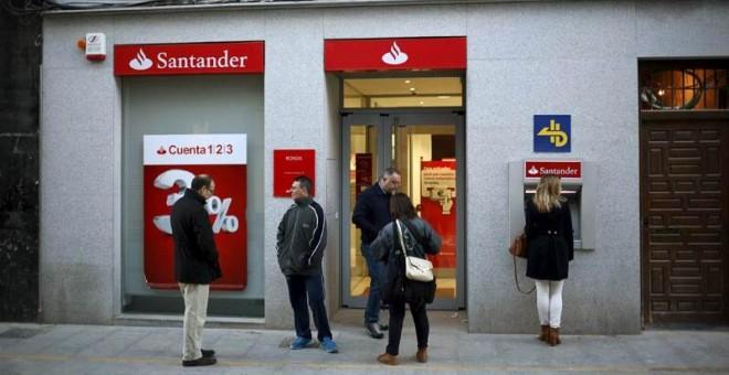 El santander plantea despedir a empleados en espa a for Oficinas banco santander salamanca