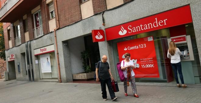 Santander vender el 39 ladrillo 39 del popular con un for Horario oficinas banco santander barcelona