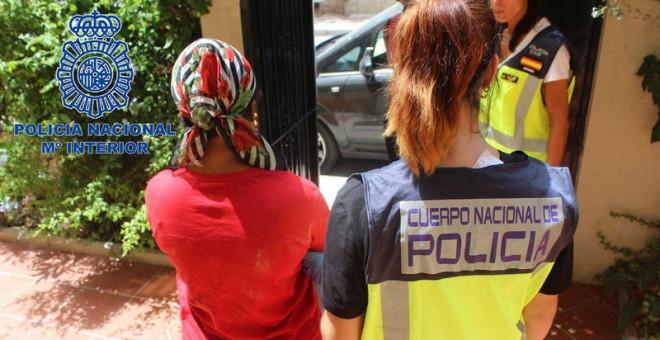 Liberan a diez mujeres obligadas a prostituirse y detienen a 15 personas en una operación contra la trata
