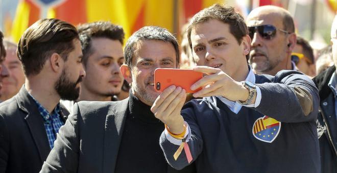 Los diez dardos de Manuel Valls a Albert Rivera