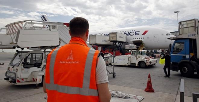 El referéndum contra la privatización de los Aeropuertos de París, una nueva piedra en el zapato de Macron