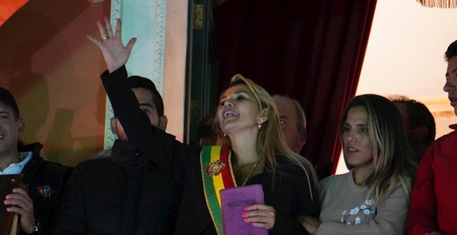 Una opositora se autoproclama presidenta interina y culmina el golpe de Estado en Bolivia