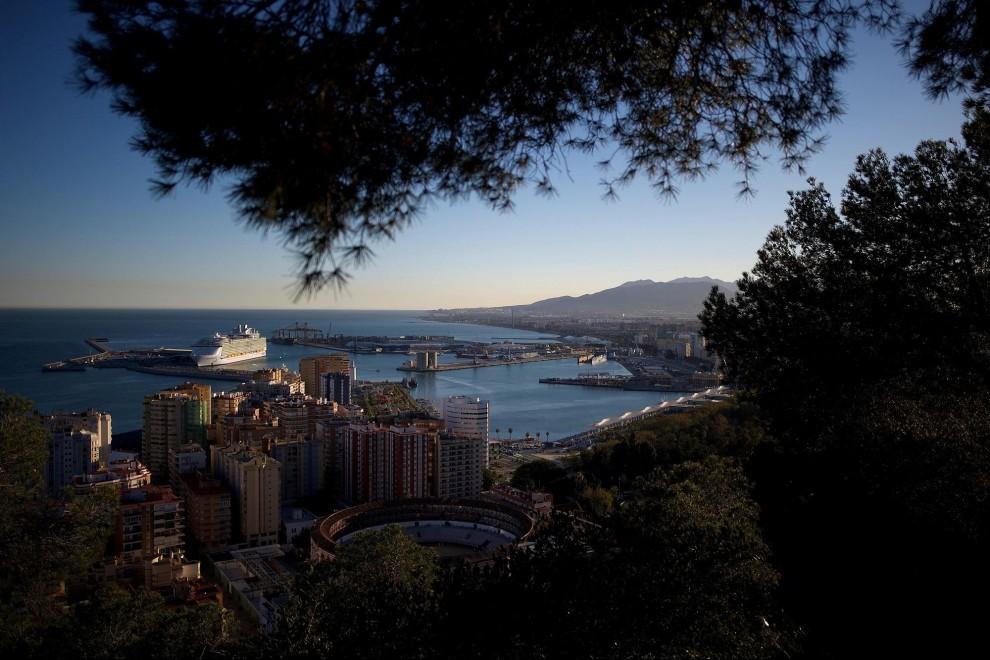 La otra cara del turismo: décadas de urbanismo, crisis climática y ciudades sin ciudadanos