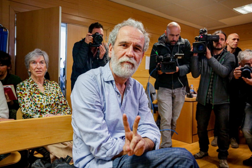 """Willy Toledo, en la entrada de los juzgados: """"Yo soy ateo y me cago en Dios todos los días"""""""