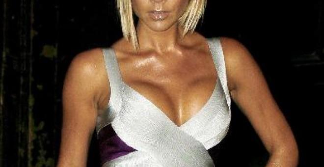 Victoria Beckham Posa Desnuda Para Camisetas Diseñadas Por Marc