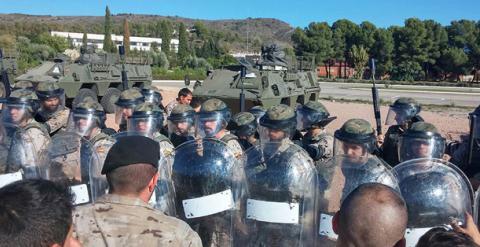 La Policía Militar entrena a soldados para actuar como antidisturbios ante población civil