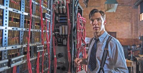 Benedict Cumberbacht en el papel de Alan Turing.