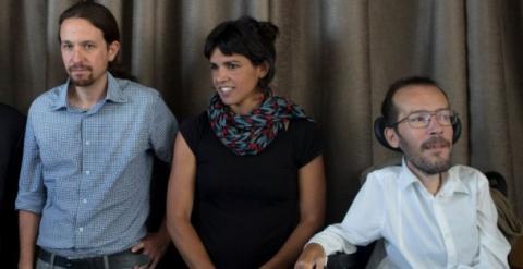 De izquierda a derecha: Pablo Iglesias, Teresa Rodríguez y Pablo Echenique.- EFE