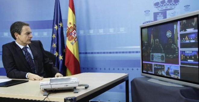 Zapatero traslada su apoyo a las tropas en el exterior y for Zapatero exterior