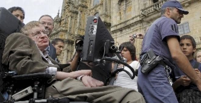 Hawking recibido en Santiago de Compostela como una