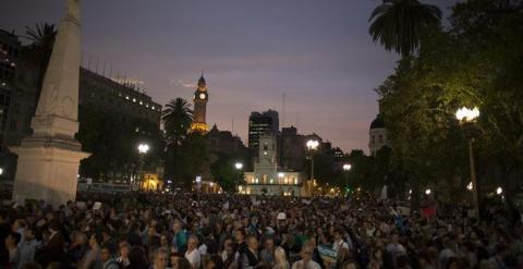 Protesta el pasado lunes en la Plaza de Mayo, en Buenos Aires, Argentina, por la muerte del fiscal Alberto Nisman / EFE
