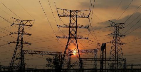 La Audiencia archiva la querella por los 3.400 millones cobrados de más por las eléctricas