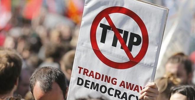 Una manifestación en Bruselas contra el TTIP.- EFE