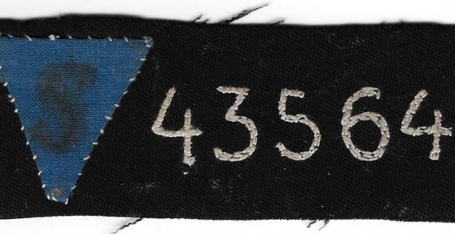 Preso 43564, el trozo de tela que Soriano llevaba cosido a la solapa.