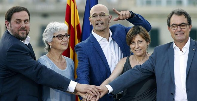 Junqueras, Casals, Romeva, Forcadell y Mas, este lunes. EFE/Andreu Dalmau