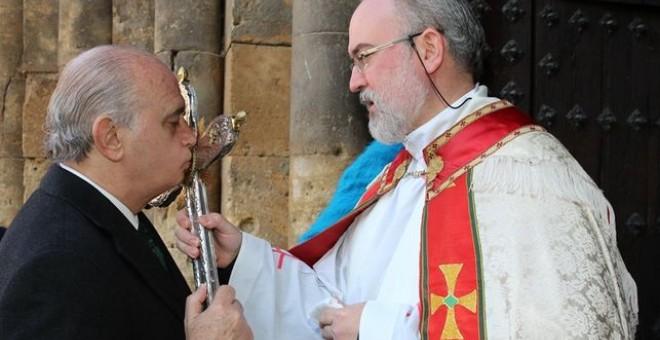 Fernández Díaz, durante un acto religioso al que acudió el año pasado en Navarra. MINISTERIO DEL INTERIOR