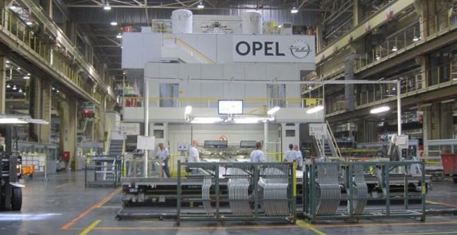 Peugeot y Citroen compran Opel