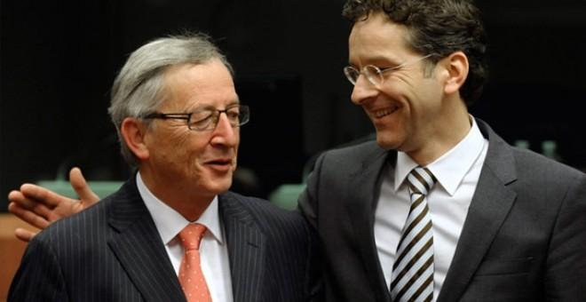 Jean-Claude Juncker y Jeroen Dijsselbloem, quien sucedió al primero al frente del Eurogrupo.