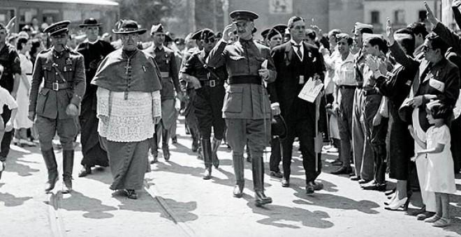 Una imagen histórica de Queipo de Llano en Sevilla.