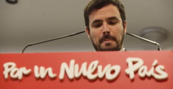 El candidato de IU-Unidad Popular a la presidencia del Gobierno, Alberto Garzón, ha analizado ante los medios los resultados de las elecciones generales del 20-D. EFE/J. J. Guillén