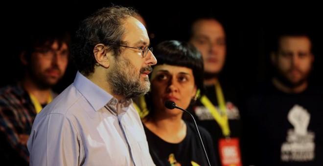 El presidente de la CUP en el Parlament, Antonio Baños, y su portavoz parlamentaria, Anna Gabriel, el pasado domingo. / EFE