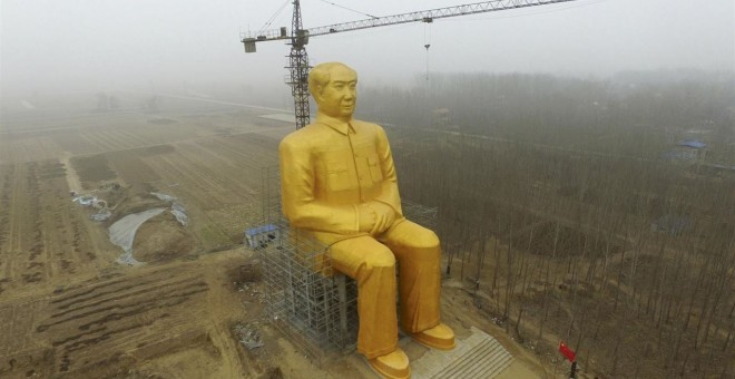 Estatua del líder comunista, Mao Zedong, situada en una zona rural de China. EUROPA PRESS