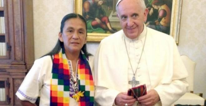 Milagro Sala junto al Papa Francisco
