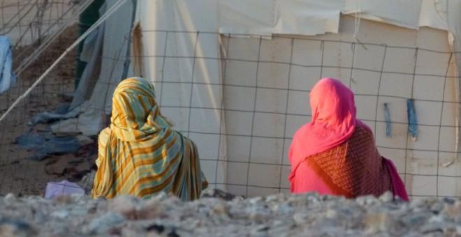 Mujeres saharauis en el campamento Bojador. J. BERIGISTAIN