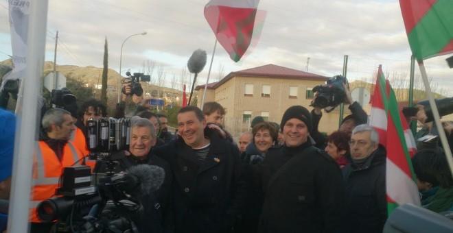 Arnaldo Otegi tras abandonar la cárcel de Logroño. - DANILO ALBIN