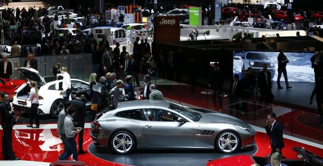 Vista de las últimas novedades exhibidas en el reciente motor show de Ginebra. /REUTERS