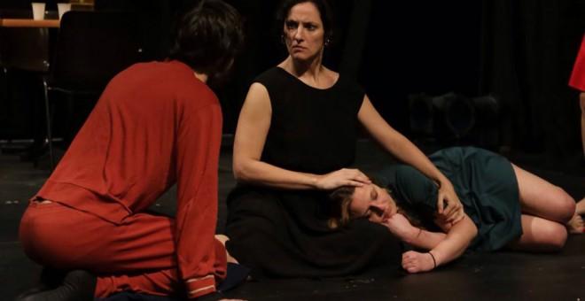 Una escena de la obra 'La distancia'. /SMEDIA