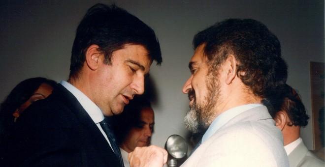 Demetrio Madrid y Ernest Lluch en 1984.
